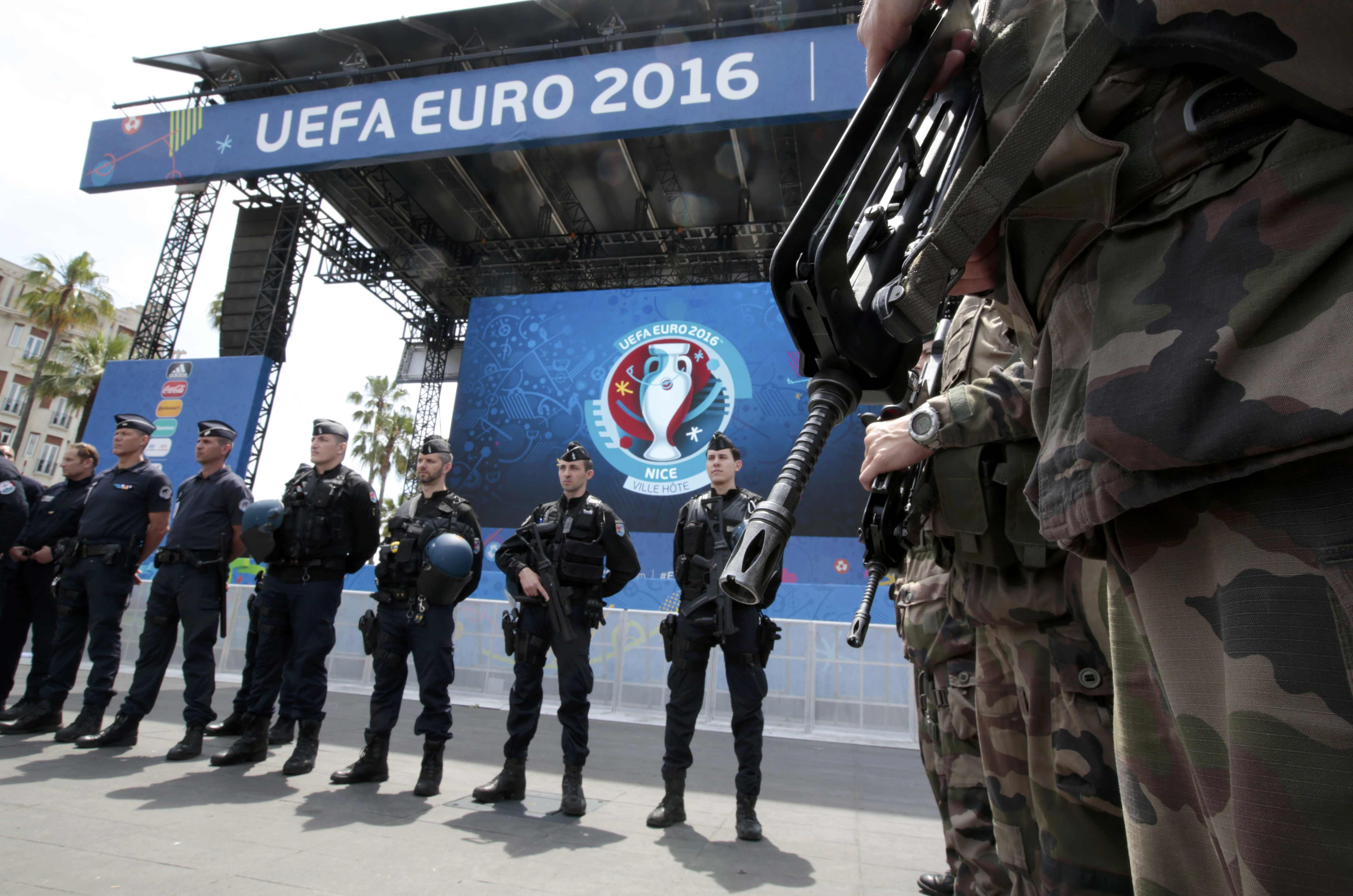 French soldiers, police and gendarmes are seen during a visit at a fanzone ahead of the UEFA 2016 European Championship in Nice, France, June 8, 2016. REUTERS/Eric Gaillard